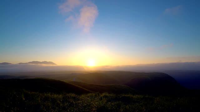 日本で」で大観峰から阿蘇エリア夜明けのタイムラプス ビデオ