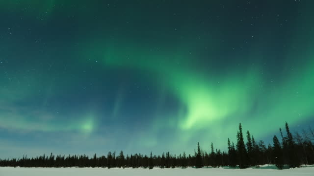 timelapse of aurora in lapland - aurora boreale video stock e b–roll