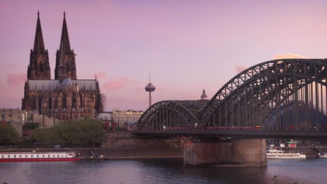 zeitraffer von köln (köln) deutschland - köln stock-videos und b-roll-filmmaterial
