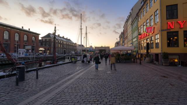 tidsförstjänad köpenhamn nyhavn ny hamn i danmark - dansk kultur bildbanksvideor och videomaterial från bakom kulisserna