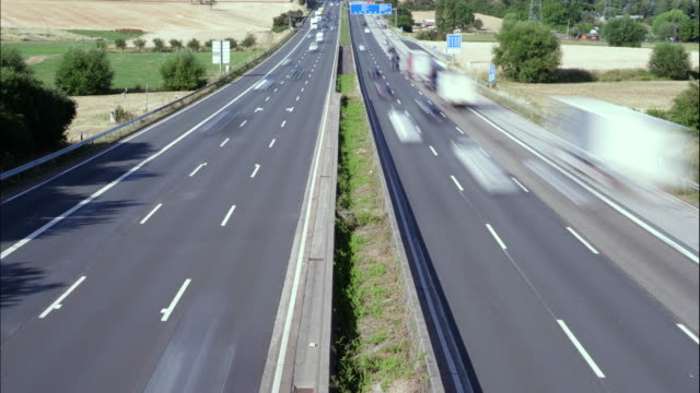 timelapse of dense traffic on german highway - autobahn video stock e b–roll
