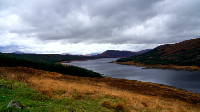 timelapse of landscape and mountains in highland, scotland - highlands scozzesi video stock e b–roll