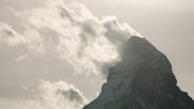 stockvideo's en b-roll-footage met timelapse van de matterhorn, zwitserland. - matterhorn