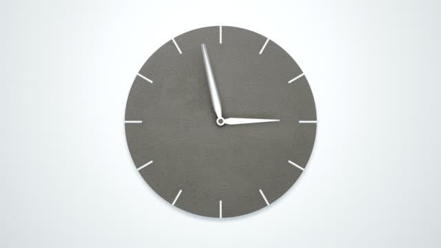 beyaz duvar timelapse modern minimalist beton saat. - timeline stok videoları ve detay görüntü çekimi