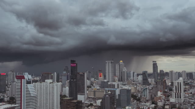timelapse of storm is coming in the city,bangkok thailand - coprire video stock e b–roll