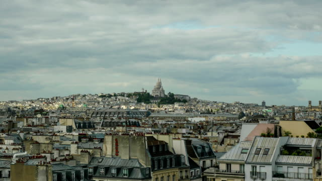 timelapse av solstrålarna som flyttar över paris - montmatre utsikt bildbanksvideor och videomaterial från bakom kulisserna