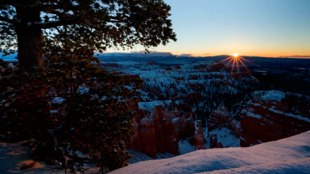 4K Timelapse of Sunrise over Bryce Canyon National Park in Winter, Utah, USA
