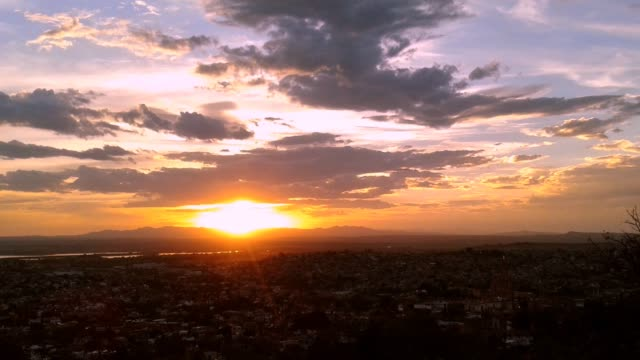 timelapse of sunset in san miguel de allende, mexico - dusk stock videos & royalty-free footage