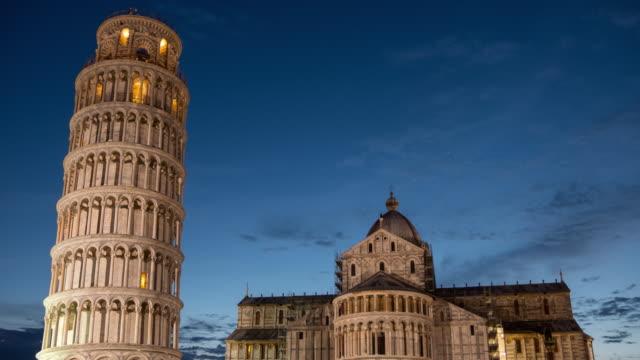 eğik kule ve pisa katedrali timelapse - pisa kulesi stok videoları ve detay görüntü çekimi
