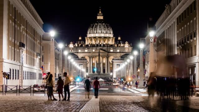 san pietro bazilikası ana cephetimelapse, vatikan. roma - vatikan şehir devleti stok videoları ve detay görüntü çekimi
