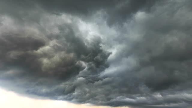 vidéos et rushes de timelapse du ciel - ciel orageux