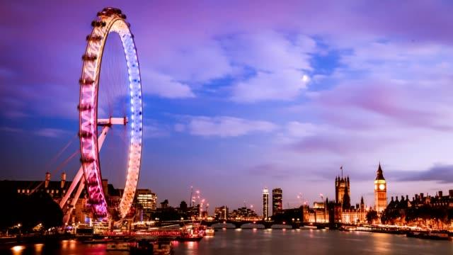 vídeos y material grabado en eventos de stock de ciudad de timelapse de westminster al atardecer, londres, reino unido - london