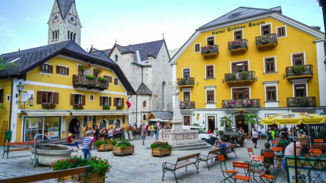 timelapse gamla staden vid hallstatt by i österrike - videor med salzburg bildbanksvideor och videomaterial från bakom kulisserna