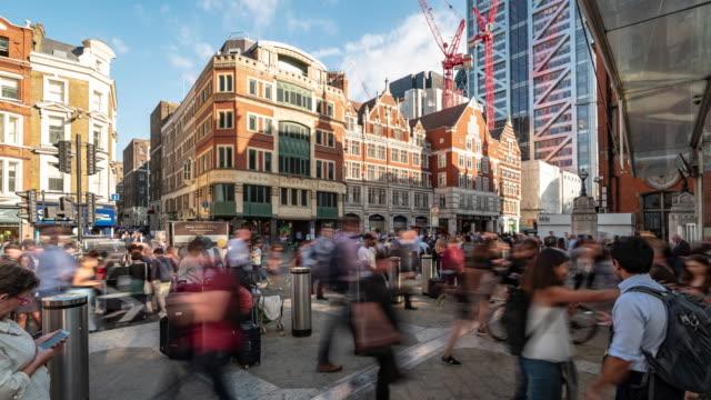 시간 경과: 보행자 통근 군중 리버풀 스트리트 런던 영국 영국에서 시내 - double exposure 스톡 비디오 및 b-롤 화면