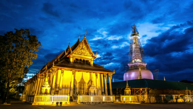 4K Time-lapse: Pedestrian Phra Mahathat Temple Nakhon Si Thammarat Thailand 4K Time-lapse: Pedestrian Phra Mahathat Temple Nakhon Si Thammarat Thailand, Apple ProRes 422 (HQ) 3840x2160 Format nakhon si thammarat stock videos & royalty-free footage