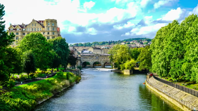 timelapse Pulteney Bridge River Avon in Bath, England - vídeo