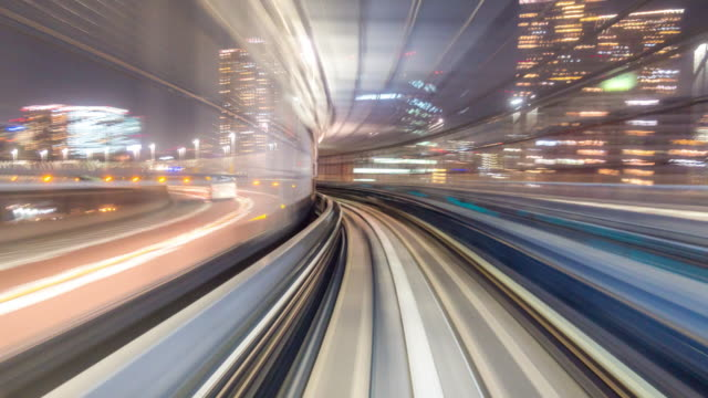 time-lapse: riding monorail in tokyo japan at night - daimon video stock e b–roll