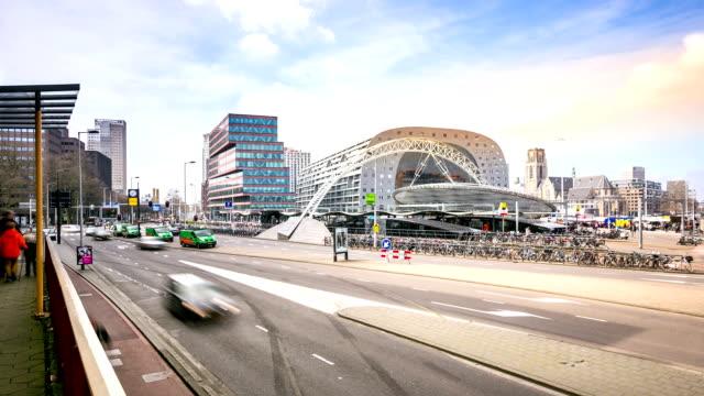 time-lapse in hd: centro di rotterdam e al market hall paesi bassi - rotterdam video stock e b–roll