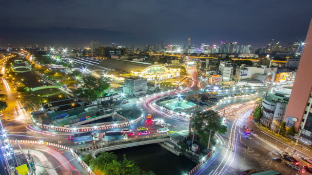 Time-lapse scene in front of Hua Lumphong train station in Bangkok video