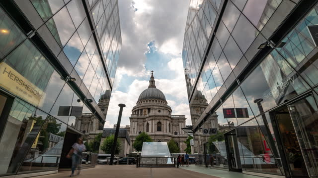 Time-lapse: St Paul's Cathedral in London England UK