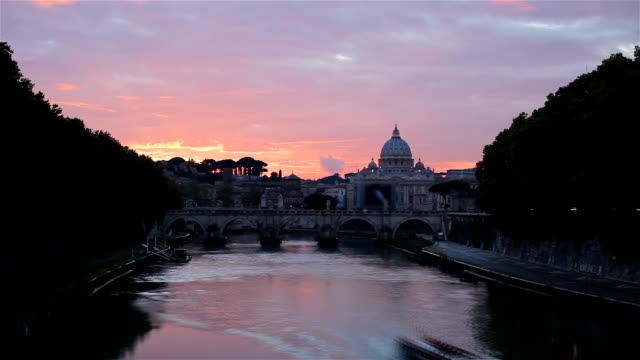 Timelapse: Sunset at St. Peter's cathedral in Rome, Italy video