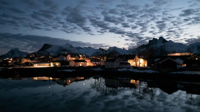 vídeos de stock e filmes b-roll de timelapse svolvaer in lofoten,norway. - países nórdicos