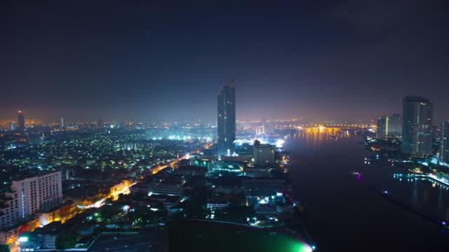 4 k time-lapse: thailand bangkok nattlampa - turistbåt bildbanksvideor och videomaterial från bakom kulisserna