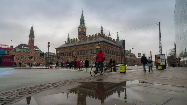 time-lapse rådhuset i köpenhamn danmark sverige - dansk kultur bildbanksvideor och videomaterial från bakom kulisserna