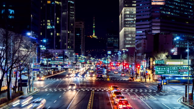 vídeos de stock e filmes b-roll de timelapse traffic at night in seoul city, south korea - seul