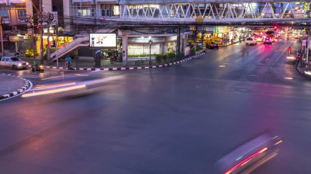 Timelapse: Traffic at night, Sudthisan Junction, Bangkok, Thailand video