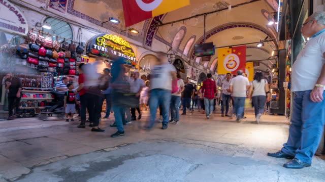 timelapse: traveler crowd at grand bazaar market in downtown istanbul turkey - grand bazaar video stock e b–roll