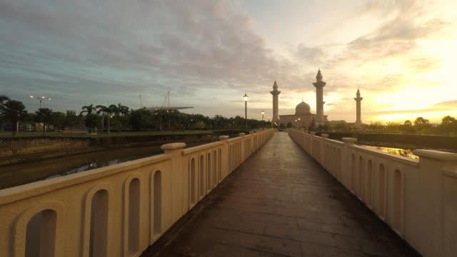Timelapse video of sunrise at Tengku Ampuan Jemaah Mosque, Jelutong Selango