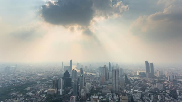 Timelapse view of bangkok city evening with dust exceed the standard value PM2.5 Timelapse view of bangkok city evening with dust exceed the standard value PM2.5 southeast stock videos & royalty-free footage