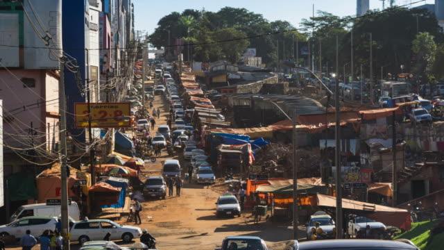 Timelapse vista de Ciudad del Este, Paraguay-Zoom Out - vídeo