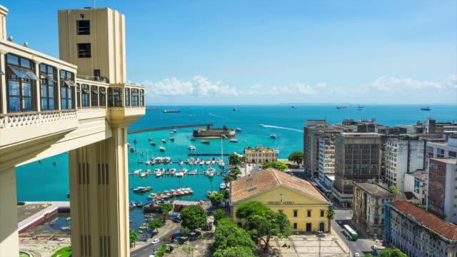 vídeos y material grabado en eventos de stock de timelapse vista del ascensor lacerda y de todos los santos bahía en el salvador, bahia, brasil - bahía