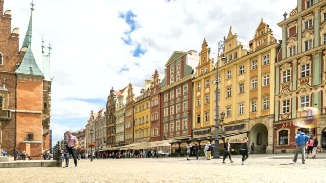 zeitraffer: breslau, marktplatz am sommer, polen - polnische kultur stock-videos und b-roll-filmmaterial