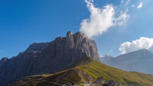 mountain pass timelpase - sella video stock e b–roll