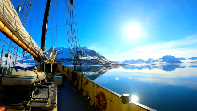 Time-lapse:Svalbard Expedition by Sailing Boat to Nothern Fjords, Glacier - video