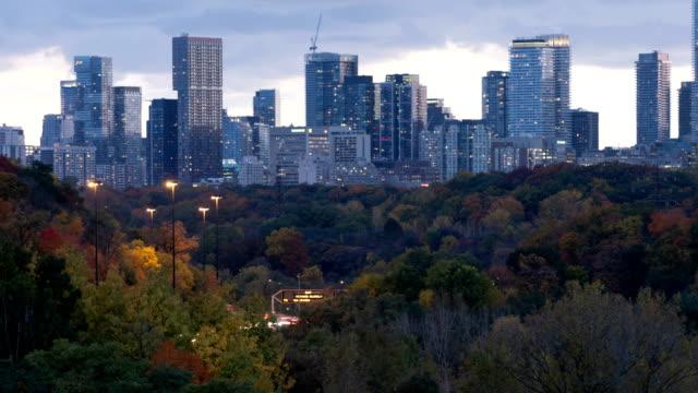Video Time-lapse:Traffic at night,Toronto