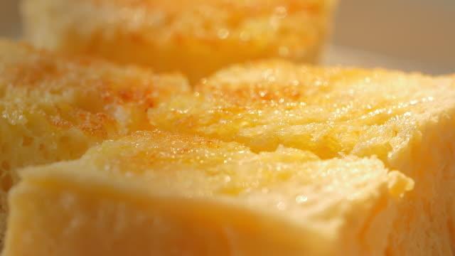 、バタートースト - 食パン点の映像素材/bロール