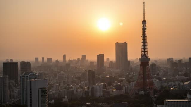 夕暮れ時の東京タワー - 日没点の映像素材/bロール
