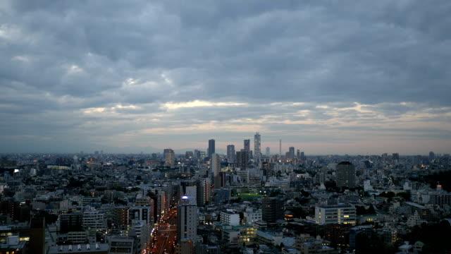 stockvideo's en b-roll-footage met tokyo twilight cityscape. - tokio kanto