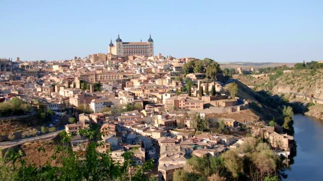 toledo, blick auf die stadt. spanien - hochplateau stock-videos und b-roll-filmmaterial