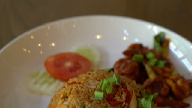 Tom Yum Fried Rice with Shrimps