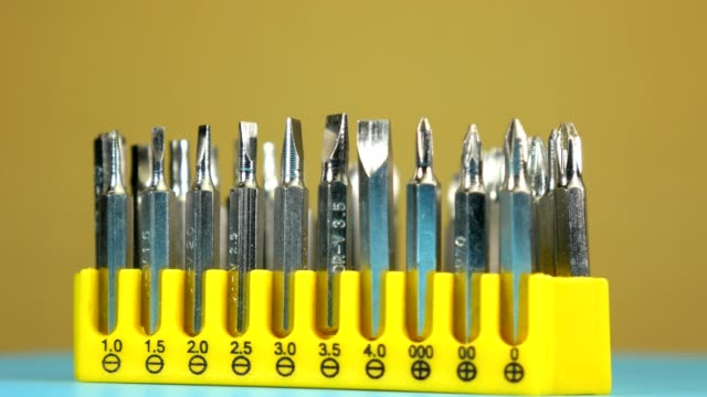 vídeos de stock e filmes b-roll de tool set, set of removable bits for the screwdrivers - bit código binário