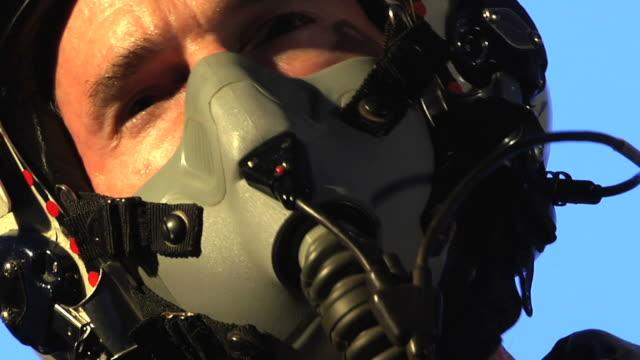 vídeos y material grabado en eventos de stock de pistola superior de - air force