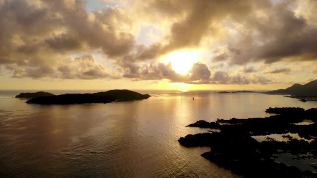 ovanifrån från luften i seychellerna. - ekvatorn latitud bildbanksvideor och videomaterial från bakom kulisserna