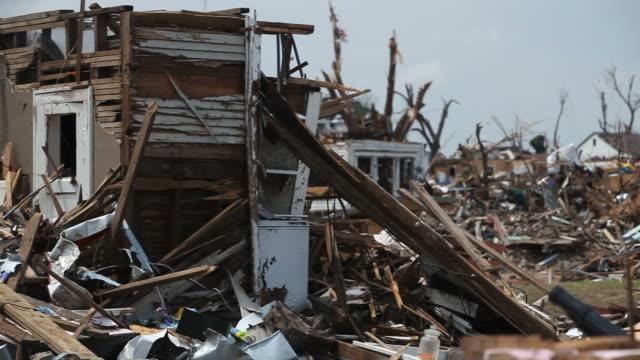 vídeos y material grabado en eventos de stock de tornado destrucción - tornado