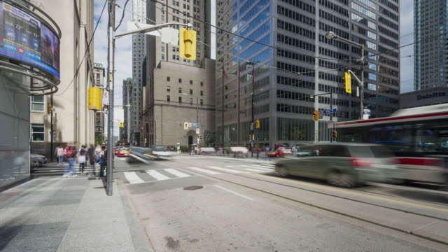 toronto-bay & king street - stadtviertel stock-videos und b-roll-filmmaterial