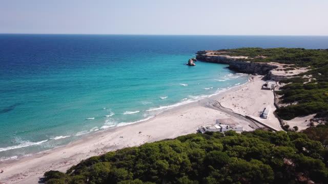 torre dell'orso, lecce, puglia, italy. aerial view of the beach and the sea - lecce video stock e b–roll